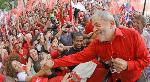 Líder absoluto, Lula terá novas caravanas pelo Brasil
