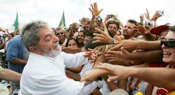 """Lula: """"Eles não conseguem me parar nas urnas"""""""