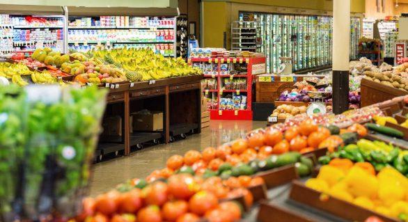 Queda acelerada da inflação barateia custo de vida, diz especialista