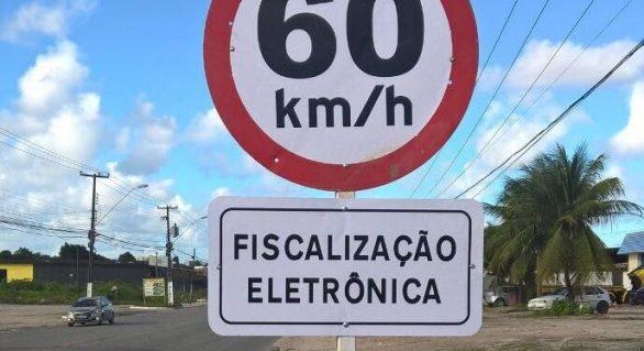 Novas placas alertam condutores sobre fiscalização eletrônica