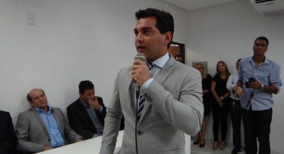Prefeito da Laje, Rodrigo de Neno se filia ao PRTB e deve disputar vaga em 2018