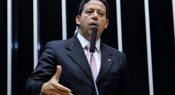 """Arthur Lira quer rompimento com o PSDB e pode """"complicar"""" aliança da oposição em AL"""