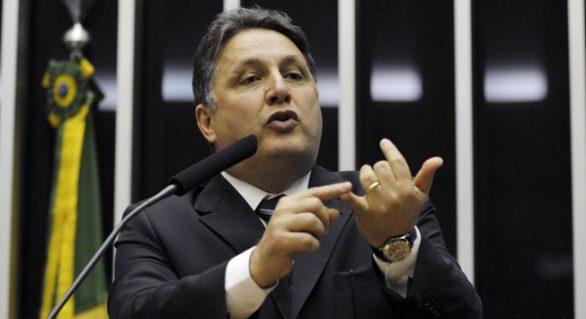 Defesa do casal Garotinho entra com habeas corpus no TRE-RJ para soltar Rosinha