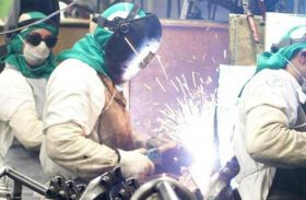 Aumento de empregos em outubro foi puxado por comércio, indústria e serviços