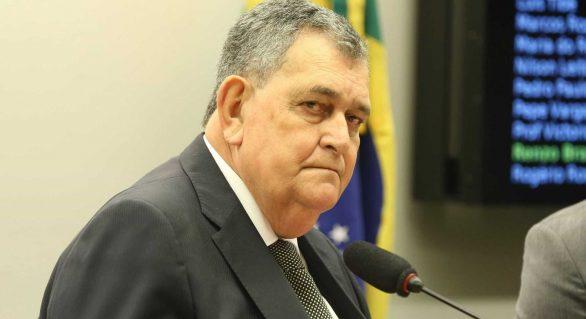 Base governista impede votação de PEC que estabelece eleições diretas