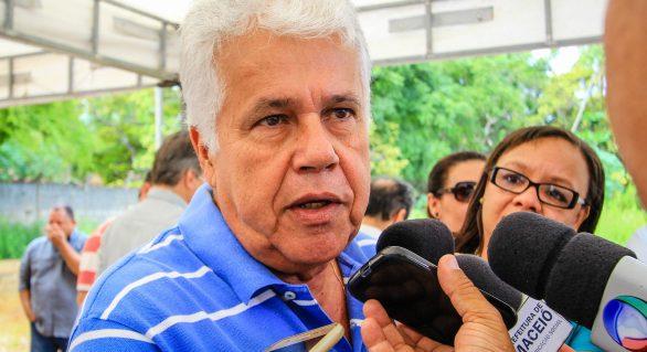 Thomaz Nonô aparece em terceiro lugar em pesquisa para governador