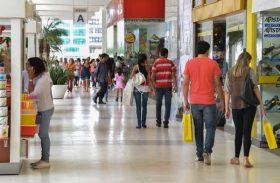 Após dois anos de queda, venda em shoppings cresce 6% no Natal