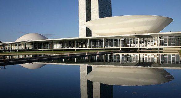 Na pesquisa de senador por região, Renan lidera em 6 áreas e Marx lidera no Sul