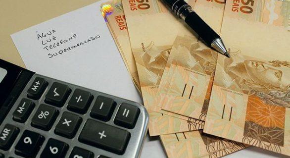 O número de endividados continua caindo em Maceió