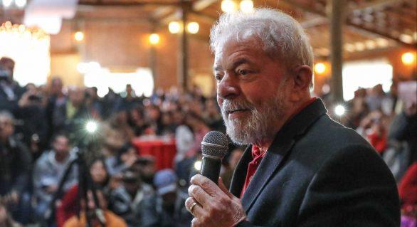 Lula pensa em isenção de IR a pessoas com salário de até R$ 5 mil