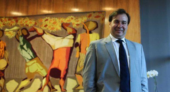 Com agenda de candidato, Maia nega disputar Planalto em 2018