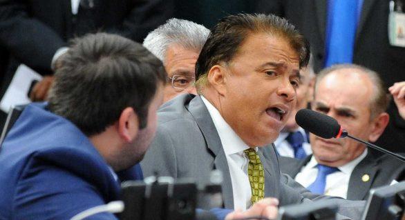 Conselho de Ética continua discussão de processos contra deputado