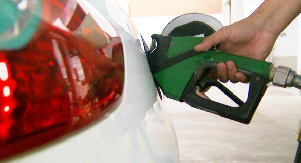Preço da gasolina e do diesel tem novo reajuste amanhã nas refinarias