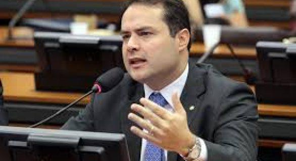 Segundo vereador, Renan Filho é: prefeito e governador ao mesmo tempo