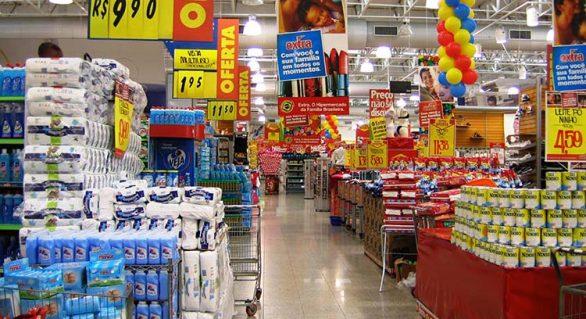 Inflação desacelera em novembro e é menor para famílias com renda mais baixa