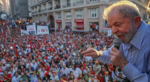 Após condenação, Lula mantém entre 34% e 37% das intenções de voto