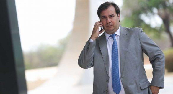 Maia reclama que Planalto não liberou parte de R$ 50 mi a deputados