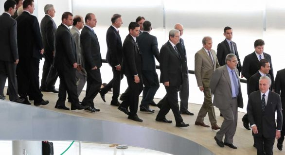 Até abril, mais 13 ministros devem desembarcar do governo Temer
