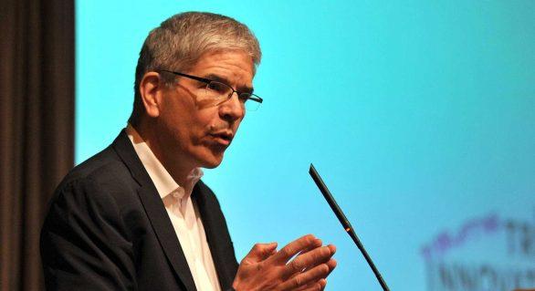 Economista-chefe do Banco Mundial deixa o cargo após 15 meses