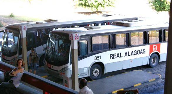Número de assaltos a veículos de transporte intermunicipal cai 44% em 2017