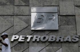 Minoritários querem R$ 20 bi da Petrobras