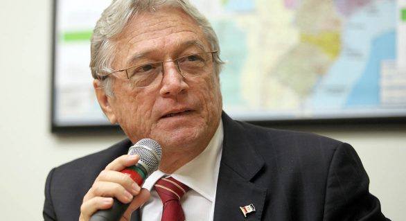 Téo Vilela está prestes a definir candidatura majoritária