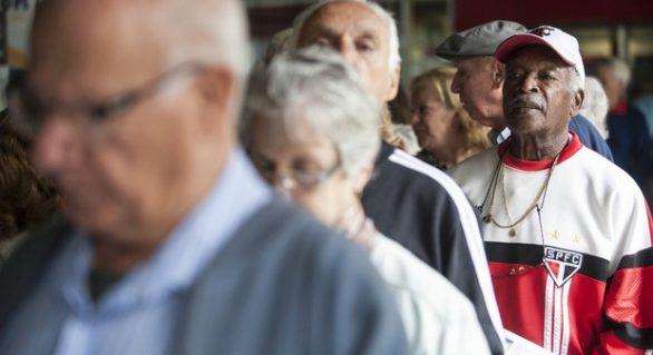 Gastos do Estado com aposentados vai superar despesas com servidores ativos em 2018