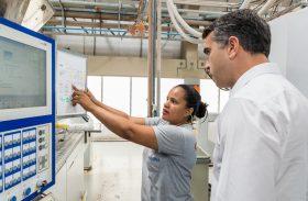 Governo de AL incentiva produção industrial e gera novos empregos