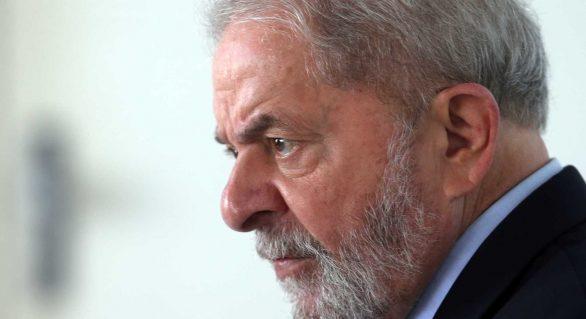 Na Justiça tem muito mau caráter, diz Lula em missa para Marisa Letícia