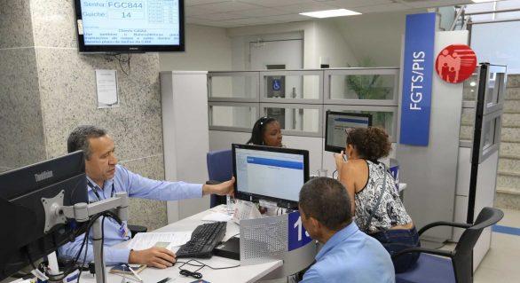PIS: trabalhadores nascidos em março e abril podem sacar abono salarial