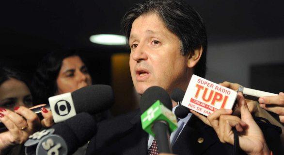 Escritos de Rocha Loures sugerem ação pró-impeachment de Dilma