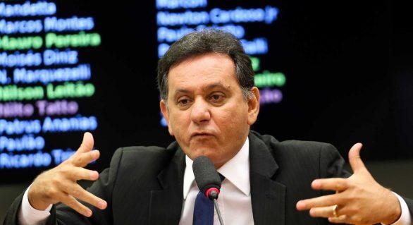 'Nós não temos o compromisso de defender o governo', diz líder do PSDB