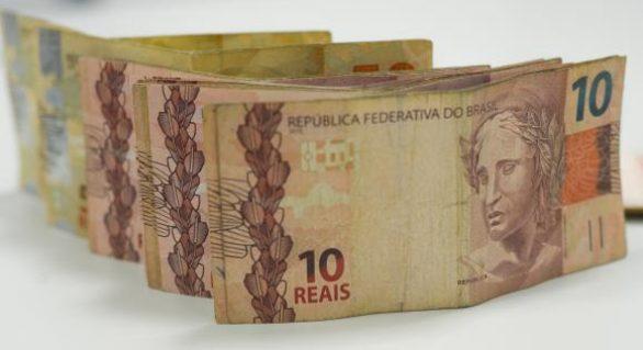 Mega-Sena acumula e pode pagar R$ 56 milhões na terça-feira