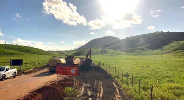 Obra de acesso à Serra da Barriga inicia com serviços de terraplanagem e drenagem
