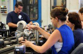 Criação de emprego em fevereiro tem o melhor resultado em quatro anos
