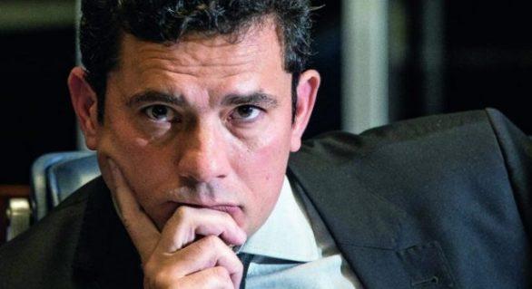 Lula não terá privilégios em visitas, decide Moro