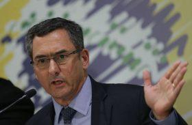 Governo pode adiar reajuste dos servidores, diz ministro da Fazenda