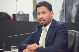 """""""Não aceito qualquer tipo de coligação"""", avisa Rodrigo Cunha"""