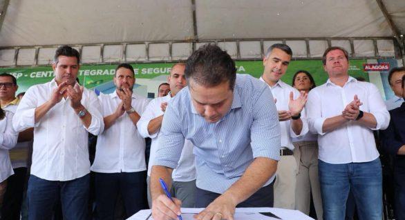 Marx Beltrão se reaproxima de Renan Filho e Renan Calheiros