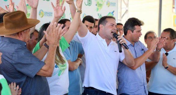 Governo de Alagoas entrega tratores a 14 municípios sertanejos