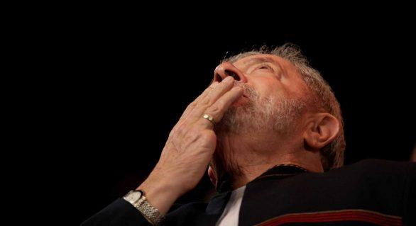Lula quer de volta benefícios de ex-presidente