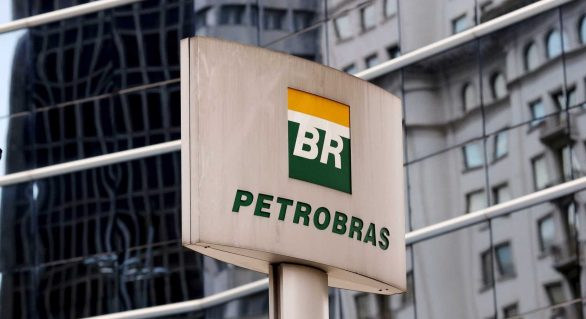 Ações da Petrobras têm queda de 13% na Bovespa