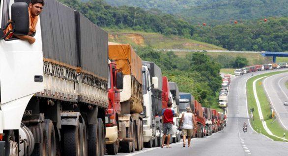 Alimentos perecíveis estão parados nas estradas e vão ser descartados