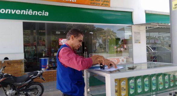 Procon AL fiscaliza postos de combustível em todo o Estado