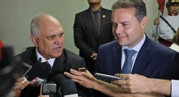 Renan Filho transmite cargo de governador a Otávio Praxedes