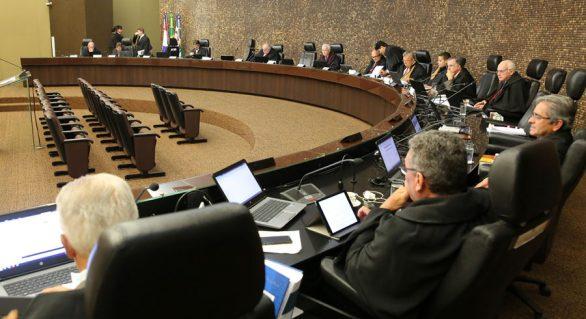 Justiça de AL decide se recebe denúncia contra prefeito por estupro
