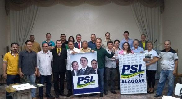 No embalo de Bolsonaro, direita lança chapa completa em Alagoas