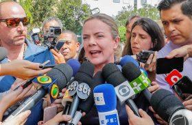 Gleisi representará Lula em evento com pré-candidatos à Presidência
