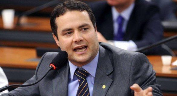 Renan Filho diz não ser contra a política do ICMS