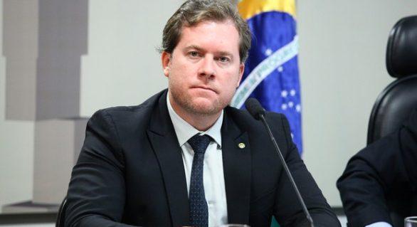 Marx Beltrão volta à disputa por reeleição
